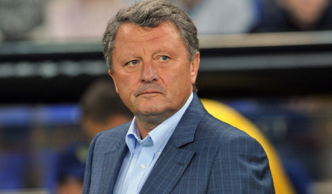 KHARKIV, UKRAINE - OCTOBER 4:  Myron Markevich, coach of FC Metalist Kharkiv looks on during the UEFA Europa League group stage match between FC Metalist Kharkiv and SK Rapid Wien held on October 4, 2012 at the Metalist Stadium in Kharkiv, Ukraine. (Photo by Genya Savilov/EuroFootball/Getty Images)